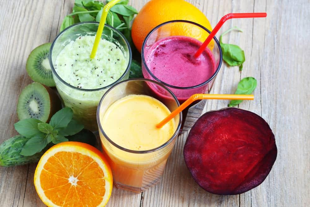 מיצים טבעיים, שייקים, מיץ תפוזים, מיץ סלק, שייק ירוק, אורגני וטבעי ללא סוכר