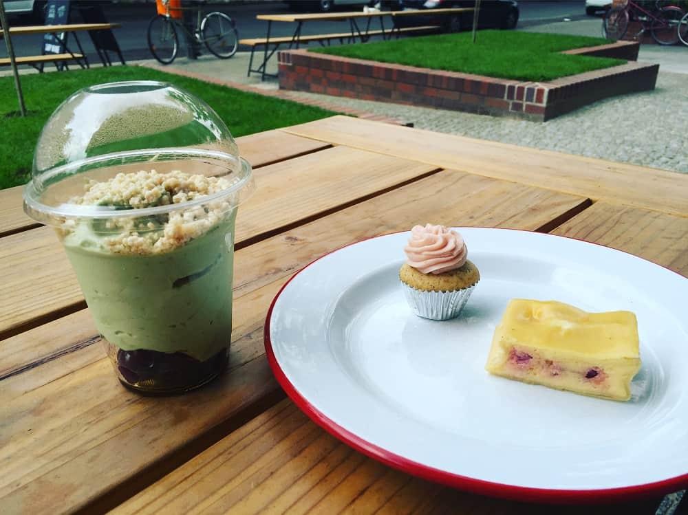 candy-on-bone-desserts