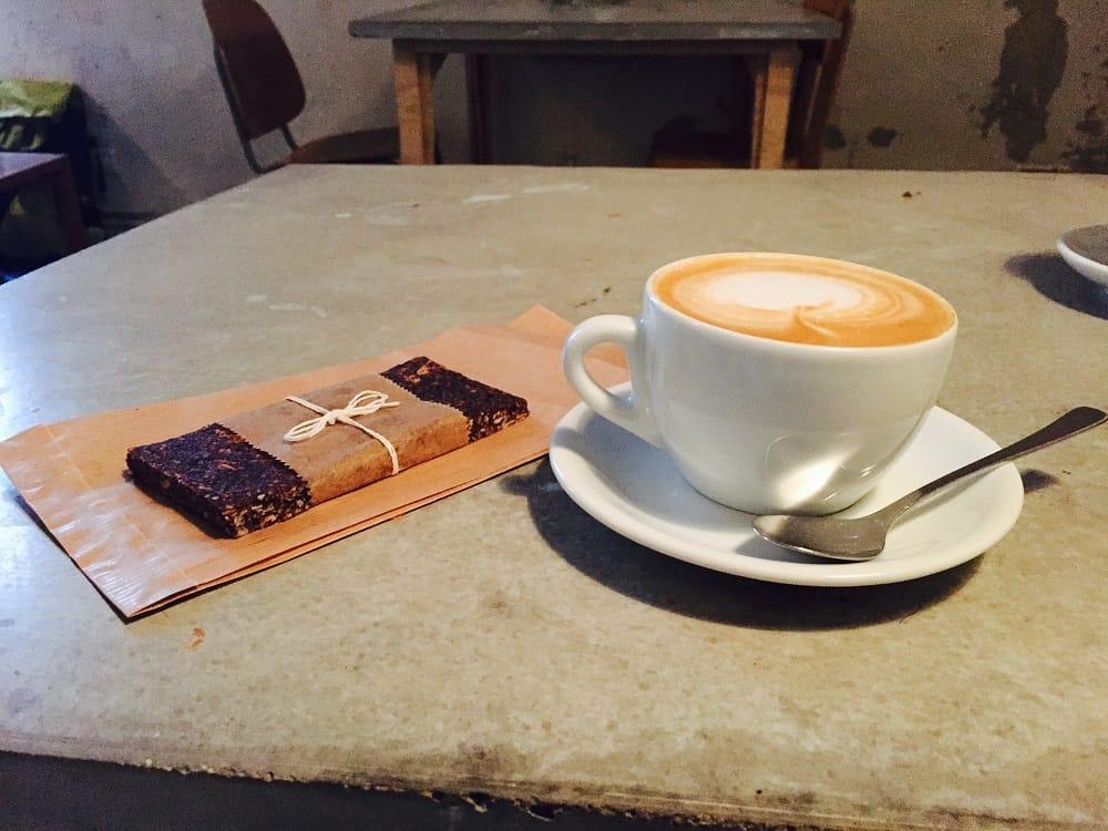 energy-bar-and-coffee