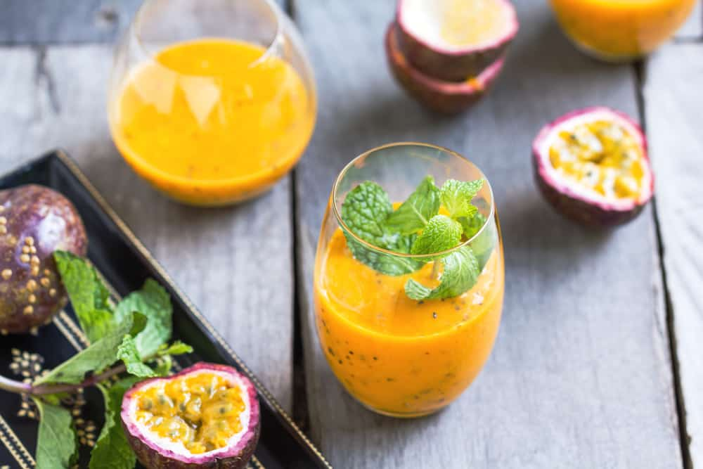 tali-machlev-nature-tali-mango-smoothie