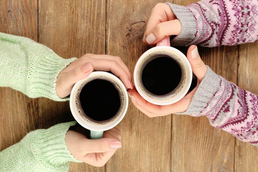 שתי כוסות קפה