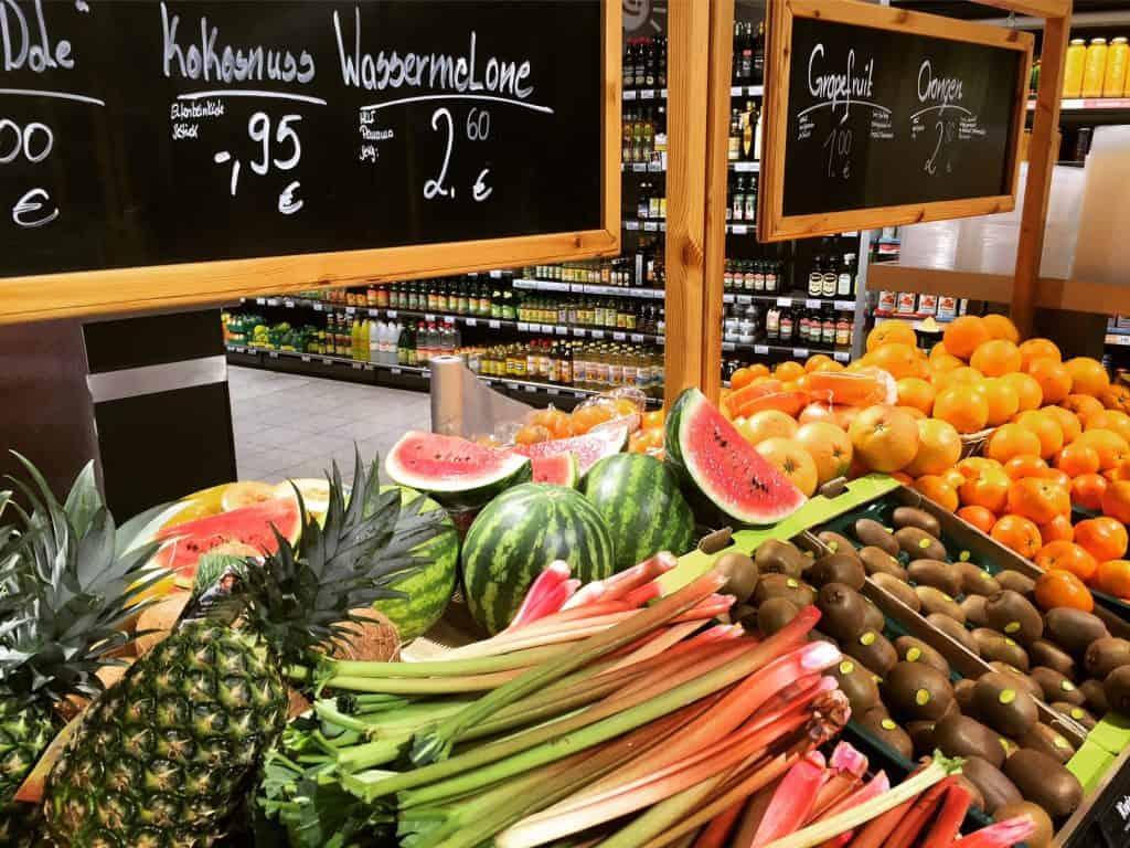 פירות טריים בחנות טבע בברלין