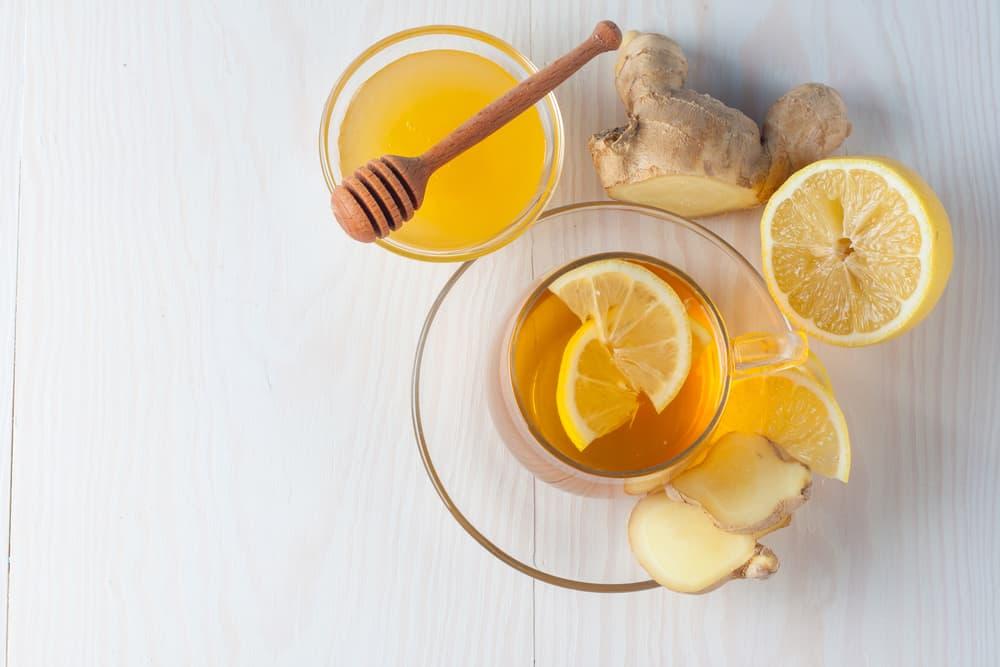 תה ירוק עם ג'ינג'ר, לימון, נענע ודבש