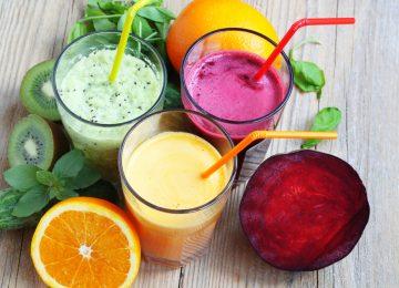 מה בריא יותר – מיץ או שייק?