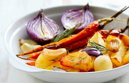 ירקות קלויים ברוטב טחינה ספירולינה
